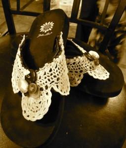 lace flip flops from unusable yellowbox sandles.