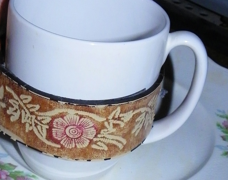 a wonderful cup cozy from cool bracelets