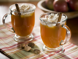 Original_Fine-Living-Cocktails-Warm-Apple_Pie_s4x3_al