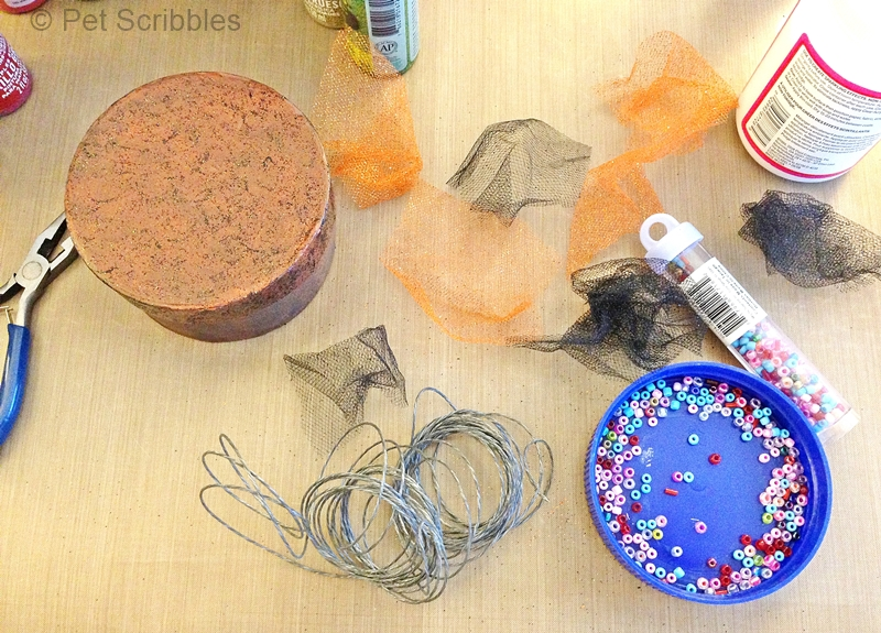 reuse plastic lids to hold beads