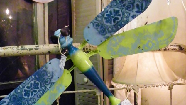 ceiling fan blades into dragonfly, ceiling fan and table legs dragonfly, repurposed fan blades