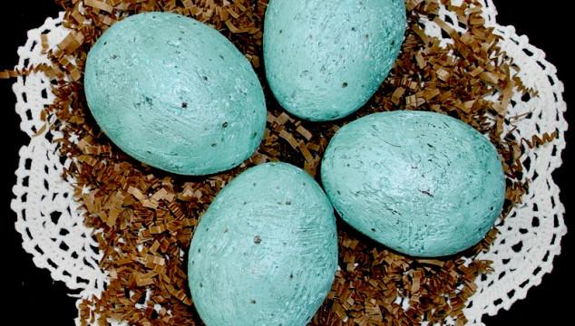 Speckled Bird Eggs DIY - a fun Spring craft!